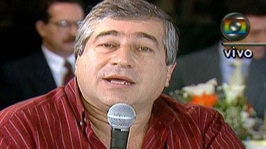 Jornalista Ruy Fernando Barboza é velado em São Paulo - Ele morreu no domingo (11) em Florianópolis, aos 70 anos. Ruy teve uma embolia pulmonar. Ele se recuperava de uma cirurgia que fez no último dia 2, para retirar a vesícula. Ruy Fernando Barboza foi apresentador do Bom Dia São Paulo.