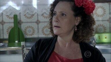 Márcia manda Valdirene focar em Ignácio e esquecer Carlito - A periguete diz para a mãe que ficou com pena de Carlito