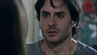 Thales comenta com Leila que viu Nicole na mansão - A golpista não acredita no namorado
