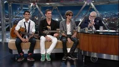 A banda Tribo Cordel é formada pelos filhos do cantor Nando Cordel - Tauã, Caiã e Ruan começaram a tocar com o pai por acaso e agora seguem carreira solo.