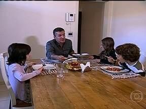 Guarda compartilhada ajuda casal e separação dá mais certo que o casamento - Depois de dez anos, o casamento entre Luiz e Paula não exisitia mais. Mas com os filhos, a família não poderia acabar. Graças à guarda compartilhada, ela realmente não acabou.
