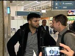 JG mostra trechos inéditos da entrevista com brasileiro que ficou detido em Londres - David Miranda é companheiro do jornalista que revelou esquema de espionagem dos EUA. Dólar fecha acima de R$ 2,40. Fifa anuncia venda de ingressos para a Copa do Mundo no Brasil