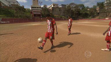 Começa hoje um dos principais campeonatos de futebol amador de Minas Gerais - O Torneio Corujão completa dez anos em 2013. Ao todo, 32 equipes de Belo Horizonte e Região Metropolitana participam da competição. Os jogos serão realizados às terças-feiras.