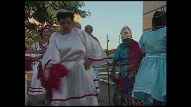 Confira a segunda reportagem da série especial sobre o folclore brasileiro - Dando um giro pelo Nordeste desta vez em Paraíba o destaque é a 'Lapinha', um folguedo que é dançado desde a época da colonização.