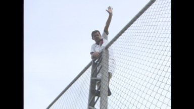 Torcidas se preparam para jogo do Nacional e Vasco pela Copa do Brasil, em Manaus - A torcida do Vasco surpreendeu levando milhares de pessoas ao treino do time, mas os torcedores do Nacional também mostram animação para a partida.