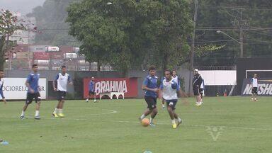 Santos enfrenta o Vitória neste sábado na Vila Belmiro - Partida começa às 18h30