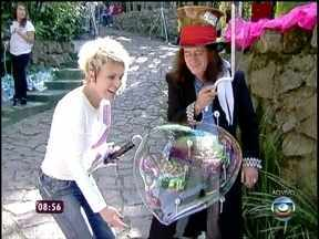 Recordista de bolhas de sabão dá show no Mais Você - Ele faz bolhas gigantescas e impressiona Ana Maria e o Louro José
