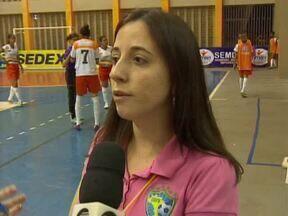 Meninas do Futsal: Charmosas, vaidosas e batem um bolão - Meninas do Futsal: Charmosas, vaidosas e batem um bolão