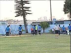 Mistério é a palavra de ordem no Londrina - Técnico Cláudio Tencati não revela quem vai a campo contra o Juventude, domingo, pela Série D do Campeonato Brasileiro.