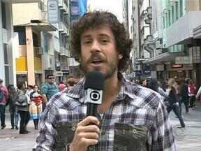 Duda Garbi pergunta: qual o mal que aflige o Inter? - Repórter foi às ruas de Porto Alegre para ouvir a opinião dos torcedores.