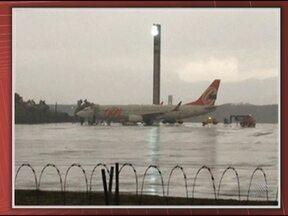 Avião em que estava Jaques Wagner é atingido por outro no aeroporto do Rio - Não houve feridos. O governador tinha participado de um encontro de turismo em São Paulo e chegava ao Rio de Janeiro para uma reunião na Petrobras.