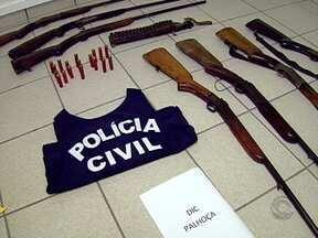 Policiais prende homens por porte ilegal de armas na Grande Florianópolis - Policiais prende homens por porte ilegal de armas na Grande Florianópolis