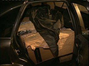 Polícia fecha depósito de produtos eletrônicos contrabandeados em Guaíra - Três pessoas foram presas