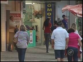 Semana do consumidor começa nesta quinta-feira em Araçatuba - Começa nesta quinta-feira (5), em Araçatuba (SP), a semana do consumidor, período que é considerado vantagens para lojistas e consumidores.