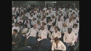 35 médicos foram selecionados pelo Mais Médicos para trabalhar em RO - Em Rondônia, 35 médicos foram selecionados pelo programa federal Mais Médicos para trabalhar no estado e dois já assumiram os cargos.