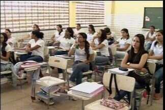 TRE faz alistamento de eleitores nas escolas de Barbalha - Jovens a partir de 16 anos já podem tirar o título de eleitor.