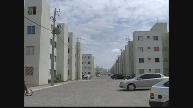 Estalos e rachaduras causam susto em moradores de condomínio em Petrolina - Equipe da Defesa Civil do município esteve no local e descartou risco de desabamento.