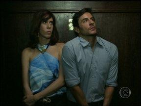 Reveja cena divertida com Maria Clara Gueiros e Ricardo Tozzi em Insensato Coração - Mate a saudade da dupla que foi sucesso em 2011 como Bibi e Douglas