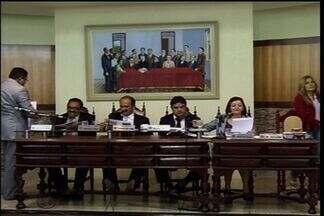 Presidente da Câmara de Juazeiro do Norte novamente não aparece na sessão - Ato revoltou populares e políticos da Câmara.