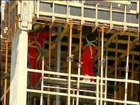 Curso ensina profissionais da construção civil a sair do vermelho e evitar acidentes - O estresse tem sido apontado com uma das principais causas dos acidentes de trabalho na construção civil.