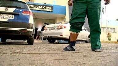Briga em posto de gasolina acaba em tiroteio na Serra, ES - Duas pessoas foram feridas por bala perdida na madrugada desta sexta-feira em um posto de gasolina, na Serra. Os tiros foram disparados por um policial militar que saiu atirando após uma briga na loja de conveniências.