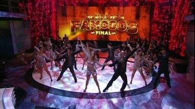 Domingão conta com a final do Dança dos Famosos 2013 - Confira a abertura do programa especial com o Balé do Faustão