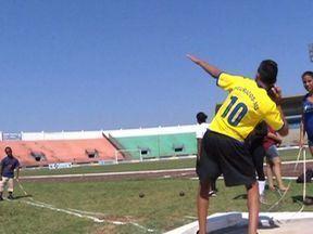 Sábado movimento na Copa da Juventude, em Dourados (MS) - Mais de 200 estudantes participaram das provas de atletismo