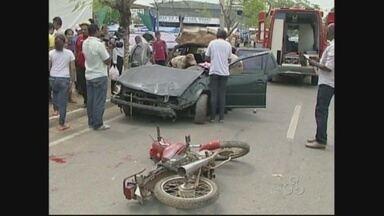 Imagens chocantes chamaram a atenção de curiosos do trÂnsito em Ji-Paraná - Toda a encenação fez parte de uma simulação de salvamento feita pela polícia no município.