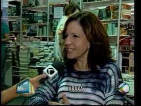 Adélia Prado entrega primeiro prêmio do 2º Festival Literário de Araxá Escritora - Escritora também foi homenageada no festival. Atividades continuam nesse sábado (21).