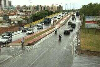Tráfego de veículos sobre as duas alças do viaduto do Detran foi liberado - A mudança no sentido de algumas vias deixou condutores confusos. Assista ao vídeo e confira.
