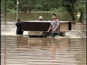 Rio do Sul é um dos municípios mais atingidos pelas chuvas em SC - Rio do Sul é um dos municípios mais atingidos pelas chuvas em SC, centenas de pessoas estão desabrigadas na cidade