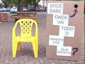 Moradores de Cianorte ganharam uma orientação diferente sobre impostos dos produtos - Feirão do imposto surpreendeu moradores que não sabiam quanto pagavam em impostos.