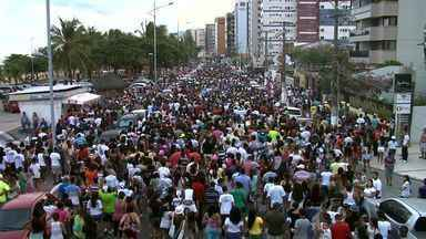 Marcha para Jesus reúne centena de fiéis em Maceió - Décima sétima edição do evento foi realizada na orla de Ponta Verde.