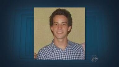 Polícia deve ouvir testemunhas da morte de jovem na Unicamp a partir de segunda (23) - A Polícia Civil deve ouvir testemunhas da morte do estudante de 21 anos esfaqueado em uma festa da Unicamp a partir da segunda-feira (23). Dennis Papa Casagrande foi morto a facadas na madrugada de sábado (21).