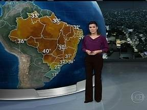 Domingo (22) será de tempo quente na maior parte do Brasil - Faz sol o dia todo entre o Rio de Janeiro e o Ceará. A temperatura despenca no Sul por causa de uma forte massa de ar frio que vai chegar à região. Em Brasília, o tempo continua seco e quente.