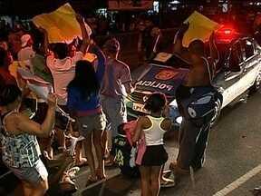 Moradores se dizem vítimas de violência de policiais em UPP do Rio - Testemunhas afirmam que, antes de Amarildo desaparecer, já existia a prática de abusos e torturas no posto da Polícia Militar da favela da Rocinha.