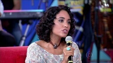Psicóloga diz que é normal ter ídolos na adolescência, mas sem exageros - Tatiana Paranaguá explica que nessa idade é tudo muito intenso