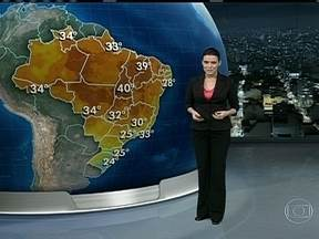 Madrugada desta sexta-feira (4) pode ter chuva forte - No leste do Rio Grande do Sul, inclusive Porto Alegre, a previsão é de chuva forte. O dia vai ser de muita chuva também no Sudeste, no Centro-Oeste e no Norte do país.