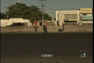 Comunidade do Eusébio cobra a instalação de um redutor de velocidade na BR 116 - Acidentes acontecem com frequência no KM 16 da rodovia.