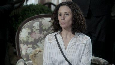 Olenka fala para Thales que Nicole tem uma mensagem para ele - Leila se irrita e expulsa a médium da mansão. Thales implora para que Olenka volte a procurá-lo
