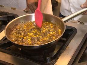 Chefes de cozinha preparam receitas que Vinícius de Moraes gostava de fazer em casa - No próximo sábado, 19 de outubro, o poetinha completaria 100 anos.