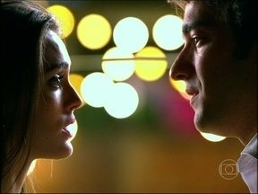 Veja em Cheias de Charme personagens de Humberto Carrão e Isabelle Drummond se beijando - Novela foi exibida em 2012