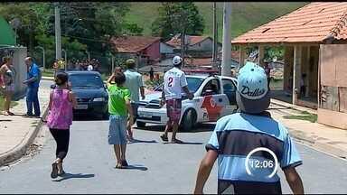Homem é atingido por tiro durante abordagem da PM em Jacareí, SP - Um erro durante uma abordagem da Polícia Militar levou um morador de Jacareí (SP) para a UTI na manhã desta terça-feira (15).