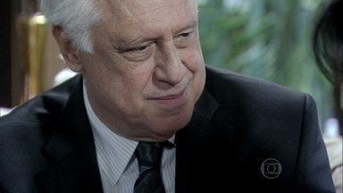 César afirma que não se arrependeu de ter ficado com Aline - O médico lamenta ter perdido a metade de suas ações no hospital