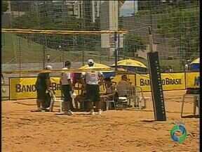 Maringá sedia campeonato brasileiro de vôlei de praia sub-21 - Os jogos vão até amanhã na Vila Olímpica