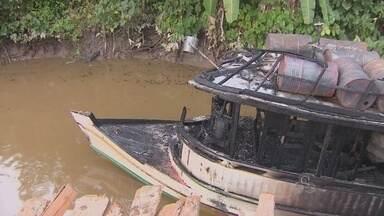 Três embarcações com combustível clandestino explodiram em Santana deixando 5 feridos - O COMBUSTÍVEL QUE ERA ESTOCADO ILEGALMENTE ÀS MARGENS DO RIO MATAPI, ONDE ONTEM TRÊS EMBARCAÇÕES EXPLODIRAM DEIXANDO CINCO FERIDOS, IA ABASTECER COMUNIDADES RIBEIRINHAS.