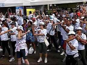Caminhada contra o câncer é realizada em Uberlândia - Dezenas de pessoas aproveitaram a manhã de sábado (19) para participar da quarta caminhada contra o câncer.