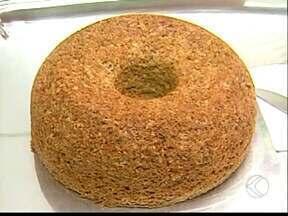 Receita de Ituiutaba mostra como preparar bolo ligth sem leite - Bolo também não leva açúcar e farinha de trigo.