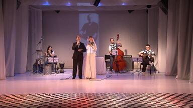 Grupo do espetáculo 'Casa de Vinicius' explica por que escolheu o 'poetinha' como tema - Poeta, compositor e cantor completaria cem anos de vida neste fim de semana.