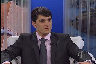 Confira orientações sobre o câncer de mama - O mastologista Adriano Baeta orienta e passa informações sobre o câncer de mama. Ele fala também sobre as chances de cura quando o diagnóstico é precoce.